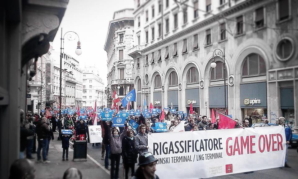 Trieste_Libera_manifestazione_antirigassificatore-19.11.20123