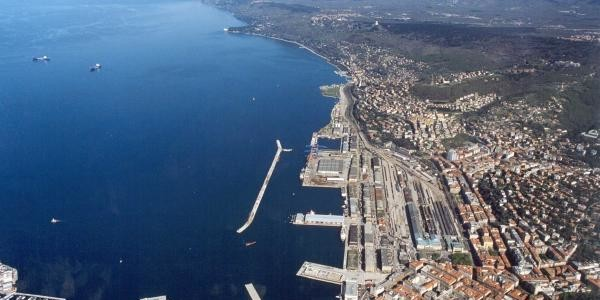 Synthesis and documents about the block of the actions of the PD against the international Free Port of Trieste
